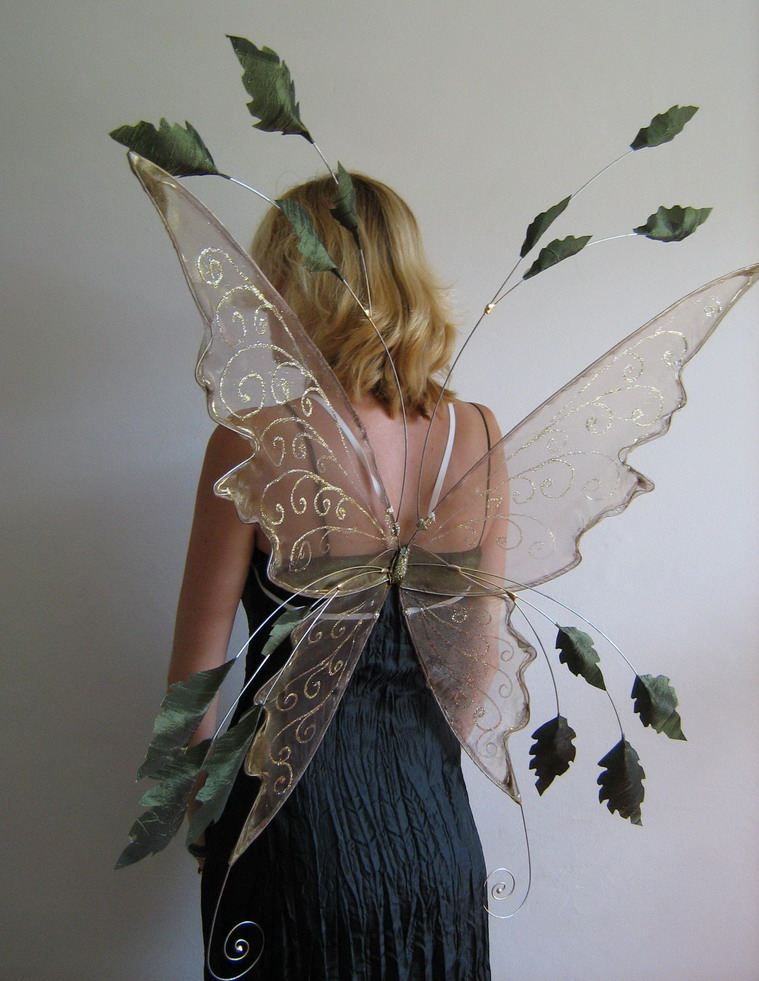 autumn leafy wings