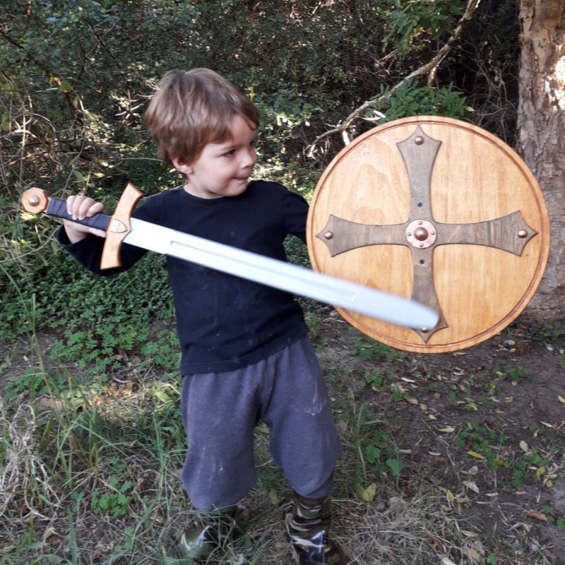 sword and shield set 72cm